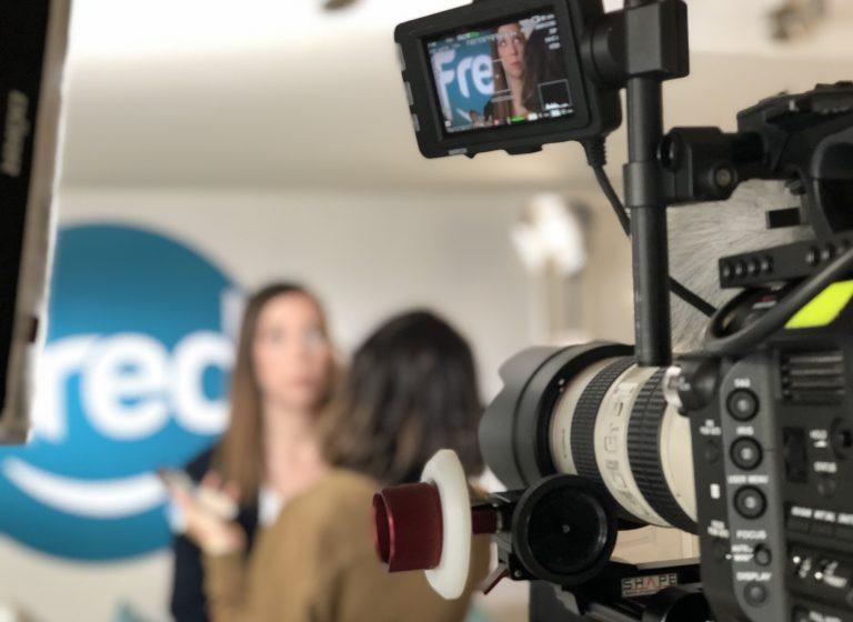 Développez votre stratégie de marketing video avec des témoignages